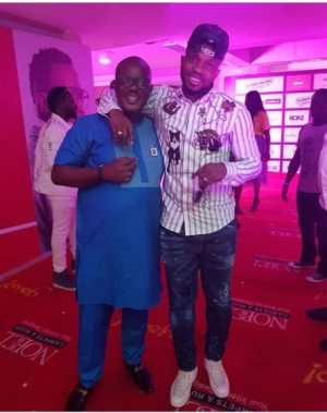 """"""" He Turns Me To Dwarf By Force"""": Actor Charles Inojie Poses With Joseph Yobo"""